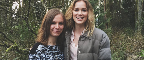 Elizabeth no set de Dead of Summer, dia 22/03
