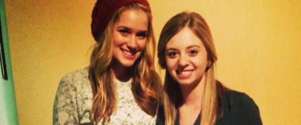 Nova foto de Elizabeth com uma amiga