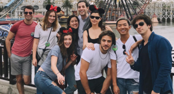 FOTOS E VÍDEOS: Elizabeth na Disney com elenco de Dead of Summer