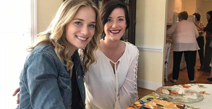 Fotos e vídeo: Elizabeth no chá de panela de Kathryn