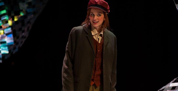 Elizabeth entra para elenco da peça Nibbler!
