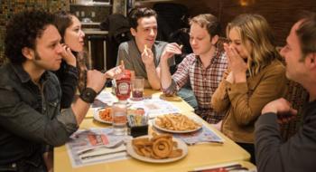 BroadwayWorld divulga novas imagens do ensaio de 'Nibbler'