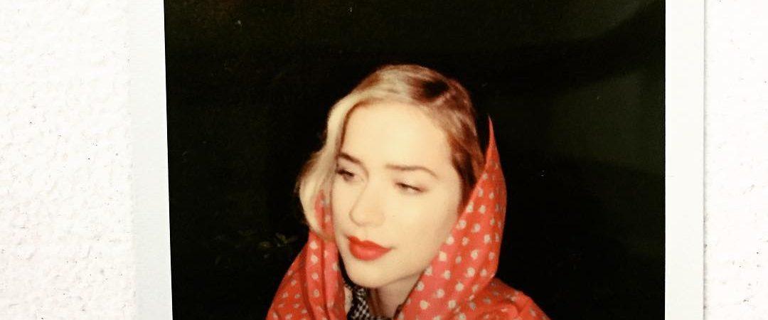 FOTOS: Bastidores do shoot de Elizabeth para a Untitled Magazine